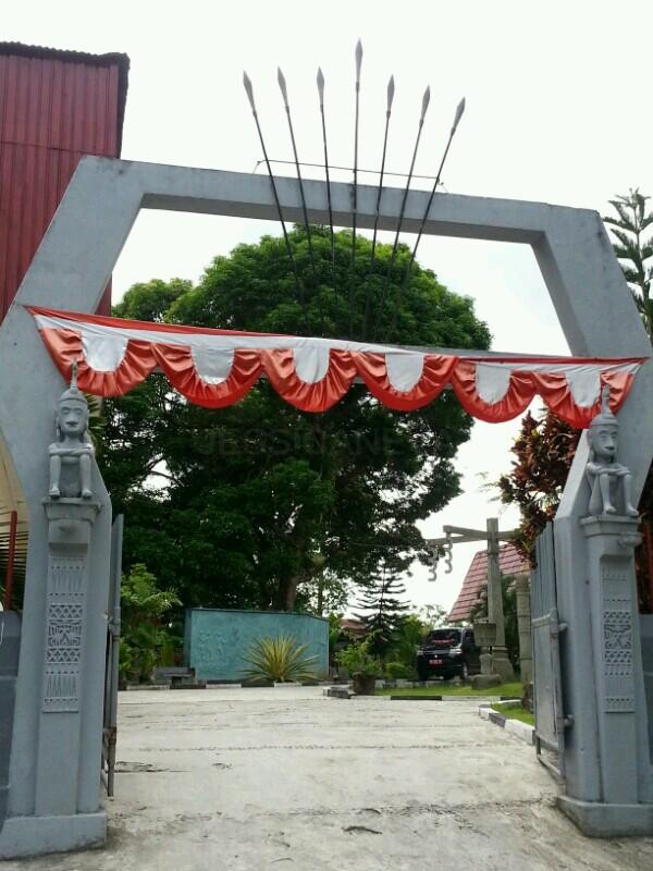 mengunjungi Museum Kebudayaan Maluku