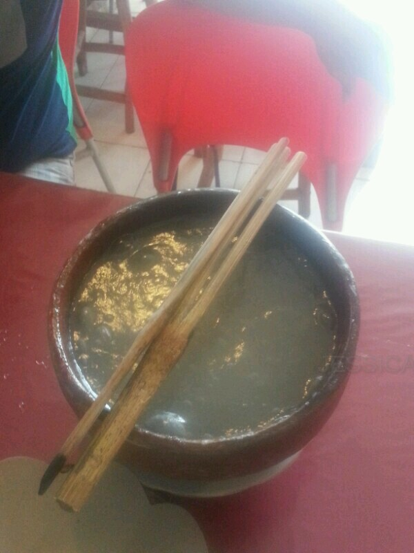 Pepeda, makanan khas Maluku yang terbuat dari Sagu