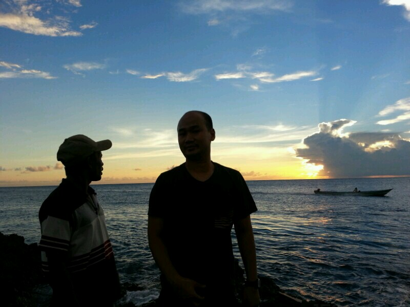 Bersama Pak Aleka di Tanjung Ratu Halat