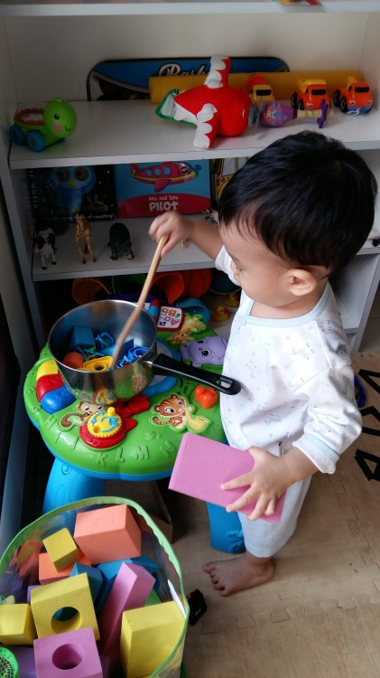 15 months old - pretend play being a chef