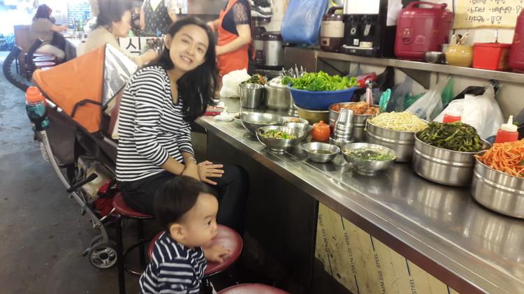 Breakfast at Namdaemun Noodle Alley